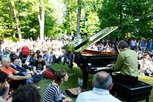 suonare pianoforte in pubblico