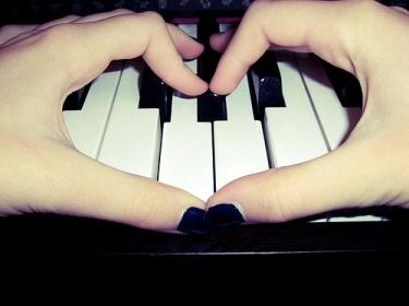 Improvvisazione musicale al pianoforte